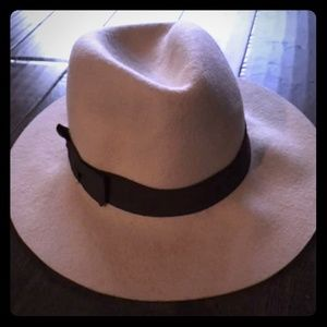 Beautiful Beige Wool Fedora Hat